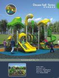 Unterhaltungs-Gymnastik-Kind-im Freienspielplatz-Gerät