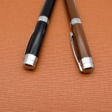 Kaffee-Farben-Metallkugel-Feder mit kundenspezifischem Firmenzeichen-Schreibens-Instrument (LT-E090)