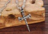 De uitstekende Koele Beste Giften van de Halsbanden van de Tegenhanger van de Ketting van het Roestvrij staal van de Halsband van de Spijker van de Juwelen van Mensen Dwars Volledige Vrije voor Kerstmis