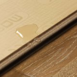 زخرفة أرضية [أم] مسيكة يرقّق أرضية خشبيّة مع [أك3]