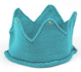Gorrita tejida hecha punto casquillo tejida aduana de la corona del cumpleaños del bebé de la escritura de la etiqueta