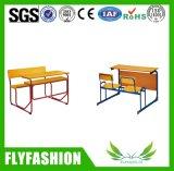 Vector de la escuela para la silla asociada escritorio del estudio del doble del estudiante