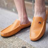Los hombres alineada ocasional, alineadas ocasionales del cuero de la vaca del diseño de la abarca del modelo nuevo, venden al por mayor los zapatos de la manera de los hombres jovenes