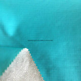 Tissu 100% de pongé de trellis de polyester pour l'uniforme avec le support de film estampé