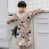 Pyjama-Flanell-mit Kapuze Bademantel der Kinder mit Riemen