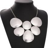 型の女性の宝石類のための幾何学的な固体円のネックレス