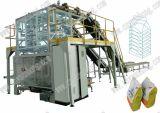 Rijst kleine zakken in een grotere verpakkingsmachine