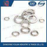 Тип пружинных шайб спиральной пружины нержавеющей стали GB859 одиночный светлый