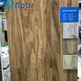 Pavimento composito di plastica di legno impermeabile di scatto del vinile della pavimentazione
