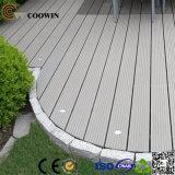Pavimento di plastica di legno impermeabile esterno di Decking del composto WPC di buona qualità