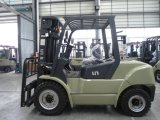 Un 7.0t Diesel Forklift with Original Isuzu Engine