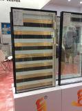 Entre o vidro de estores integral com barras de dupla em um lado