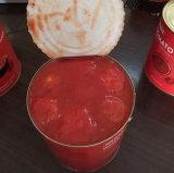 Консервированных томатов в целом без кожуры помидора в томатном соусе