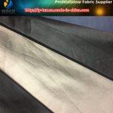 Rilasciare la stampa di carta di trasferimento sul prodotto intessuto o lavorato a maglia