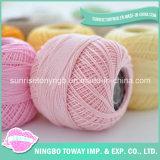 La broderie main tricoter les fils de la Dentelle au crochet du fil de coton