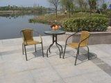 Mesa e cadeira de rattan de metal ao ar livre