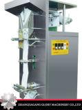 Завалка воды сока мешка и машина запечатывания