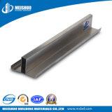 Giunture di alluminio delle mattonelle con l'inserto di gomma