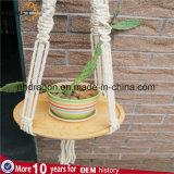 Macrame suspensión de la planta con el vector de madera