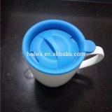Tazza di ceramica di nuovo disegno all'ingrosso con il coperchio ed il piattino del silicone