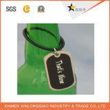 Tarjeta de la pista de encargo para el cuello de la botella de vino con la impresión de la insignia