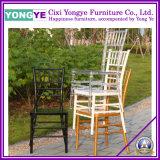 PC bianco Resin Chiavari Chair con Cushion per Wedding