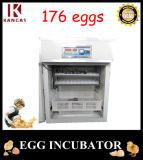 Petit incubateur d'oeufs de poulet de Digitals
