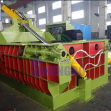 Sucatas do ferro que recicl a máquina da prensa (bala do turn-out)