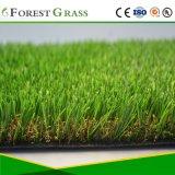 ヤードのためのロールによる人工的な草