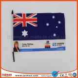 Célébration de la main de promotion de pays d'un drapeau pour la publicité