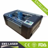 Foto Mini máquina de corte e gravação a laser 3D com alta qualidade