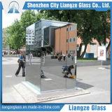 el vidrio del espejo de una forma de 2m m/cubrió el vidrio para al aire libre