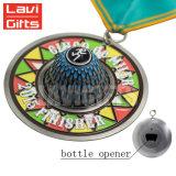 Médaille en alliage de zinc faite sur commande de forme d'ouvreur de bouteille de fonction de moulage d'émail de cadeau de souvenir