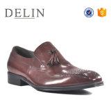 Высокое качество Loafer Tassel кожаный верх мужчин платья обувь