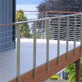 De verticale Omheining van het Balkon van de Balustrade van de Draad met het Traliewerk van de Staaf van de Netten van de Kabel