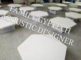 Hängende akustische Glaswolle-Decken-Fliese