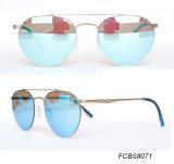 Luz estupenda del diseño de Italia con las gafas de sol de nylon de la manera de la lente