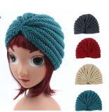 Малыши детей связали шлем крышки Индии зимы купола Bonnet тюрбана вязания крючком креста шлема теплый (HW630)