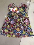 Vestito dalle azione del vestito dalla ragazza dei vestiti dei bambini