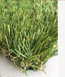 Salão de exposição ajardinando relvado de grama artificial