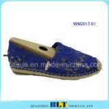 女性の麻ロープのレースが付いているゴム製偶然靴