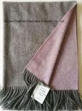 De Dunne Omkeerbare Sjaal van het kasjmier