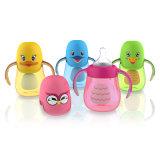 Baby-Zufuhr-Flaschen mit Stroh-Kind scherzt Baby-führende Flasche der Wasser-Flaschen-pp.