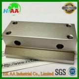 Blocchetto di alluminio solido lavorante di macinazione di CNC, blocco perforato anodizzato
