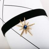 모조 다이아몬드 장식용 목을 박은 형식 한국 우단은 고리 일요일 짧은 꽃 펀던트 목걸이 보석 도매를 주연시킨다