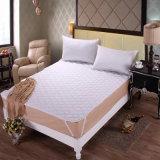 ゴムひもが付いている安いホテルの寝具ポリエステルMicrofiberのマットレスの保護装置