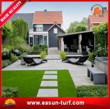 人工的なマットを美化する庭の擬似カーペット
