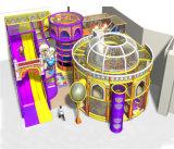 Campo de jogos interno dos miúdos temáticos do espaço do divertimento do elogio