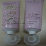 El tubo de cosmética Embalaje Crema de manos de la Belleza.
