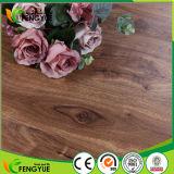 Planches profondément gravées en relief respectueuses de l'environnement de plancher de PVC de vinyle d'usage de résidence
